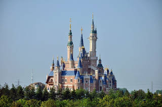 Shanghai Disney's Chinese track and fighting obesity with taxes
