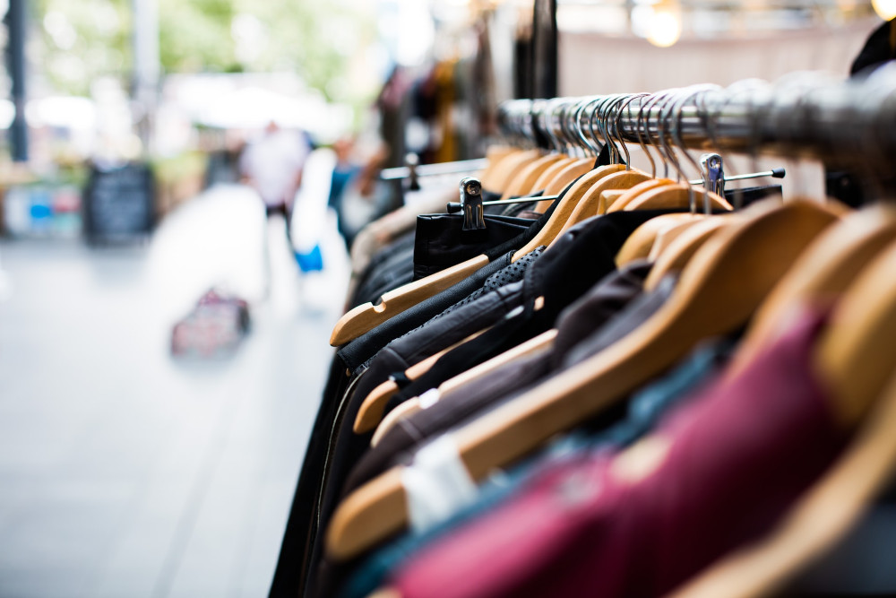 Why ecommerce firms are hungry for brick-and-mortar